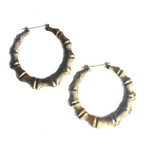 Jewelry - LARGE LIGHTWEIGHT GOLD HOOPS!